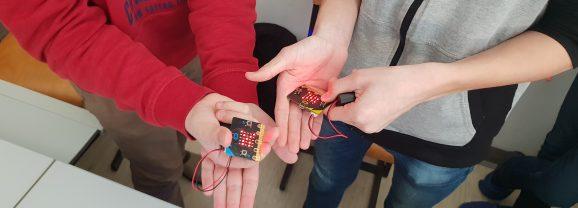 Fizično računalništvo s pomočjo Micro:bita